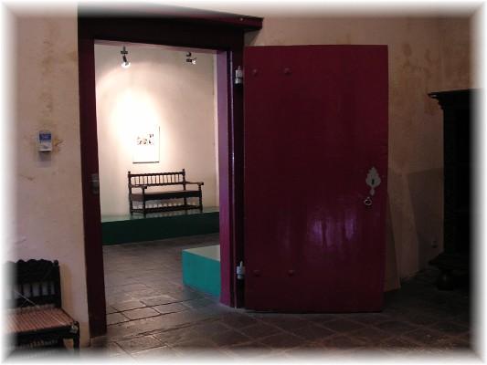 Pintu Kokoh