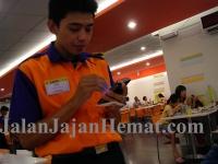 Pelayan dilengkapi PDA