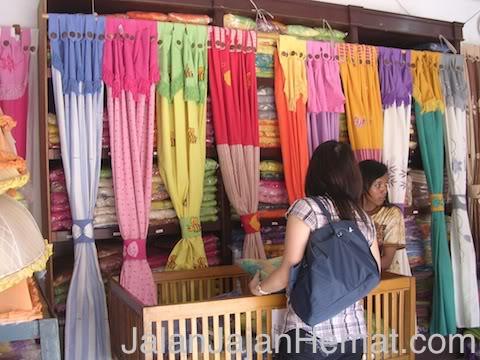 Pasar Grosir Batik Setono Pekalongan  c0741a2a3e