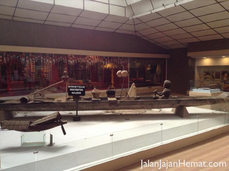 Koleksi Museum di Lantai 2