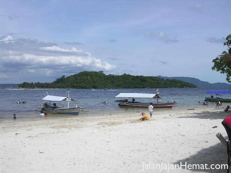 Pantai Mutun yang bersih