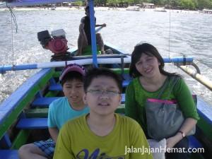Perahu ke Pulau Tangkil
