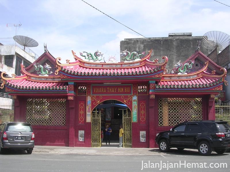 Gerbang Vihara Thay Hin Bio