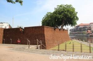 Benteng tepi Sungai Melaka