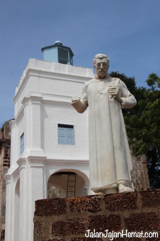 Patung St. Francis Xavier