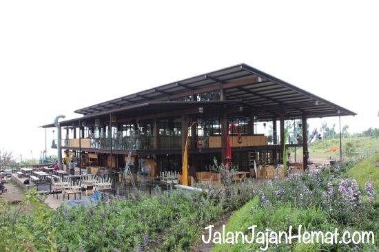 Gedung Pasar Khatulistiwa