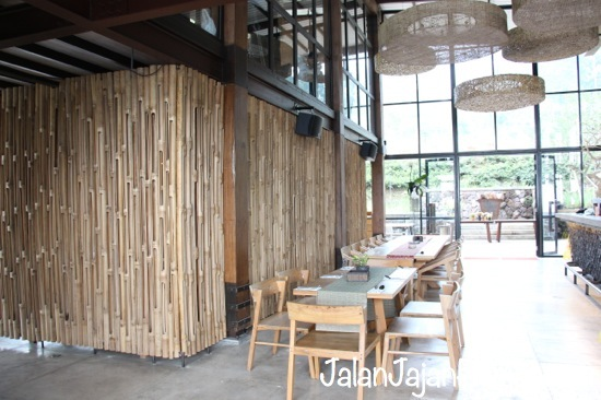 Hiasan dekor serba bambu