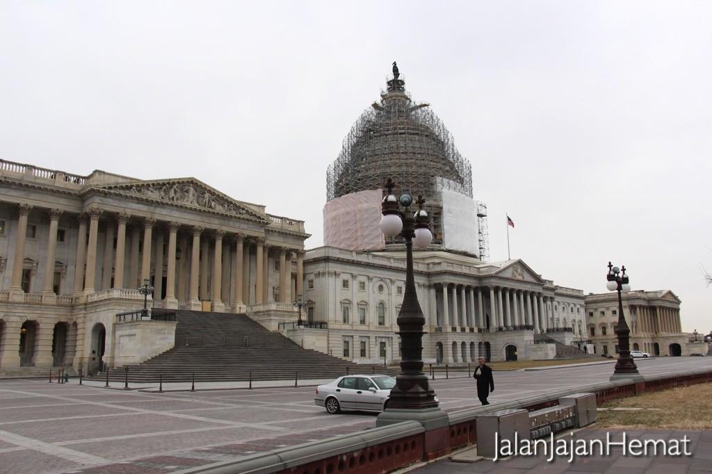 Gedung US Capitol yang sedang direnovasi