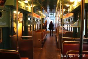 National Museum of American History - Dalam L Train