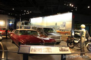 National Museum of American History - On the interstate