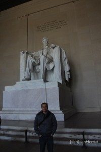 Patung Abraham Lincoln