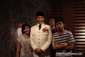 Jangan lupa berfoto dengan Presiden RI 1, Ir Soekarno