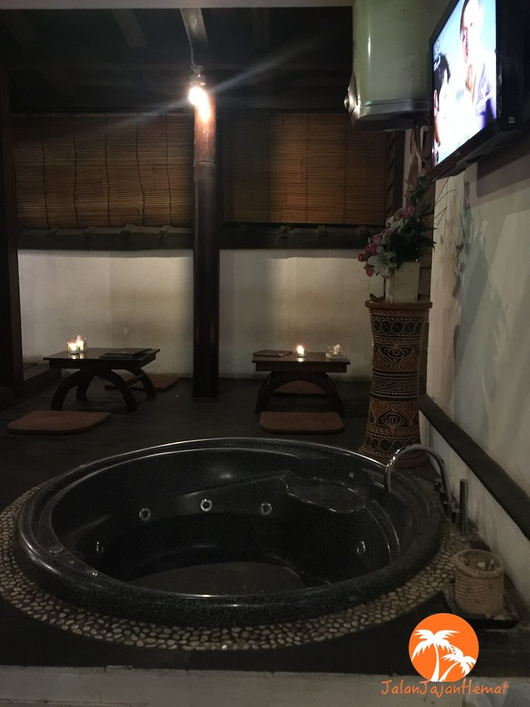 Bathtub di area makan