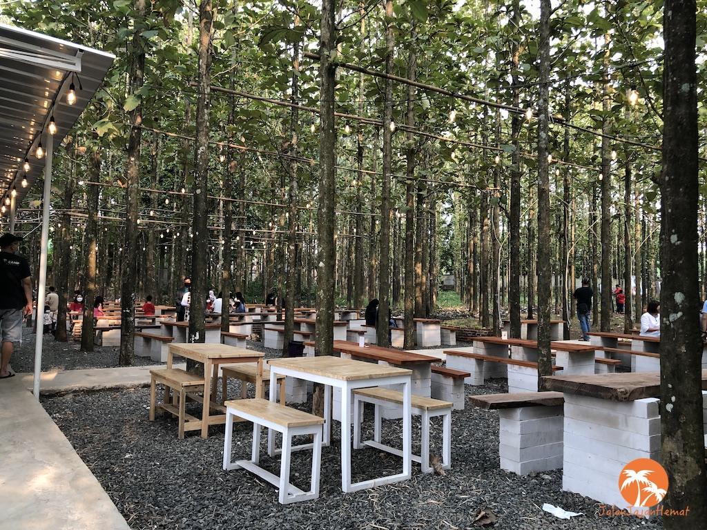 Citra Gelato – Menikmati gelato di bawah rindangnya hutan jati